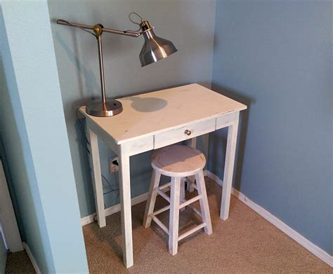 build  small space desk diywithrick