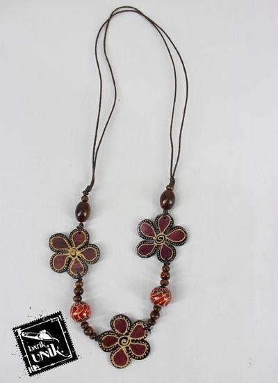 Kalung Tali Unik Murah kalung kayu tali tarik motif bung bunga unik kalung
