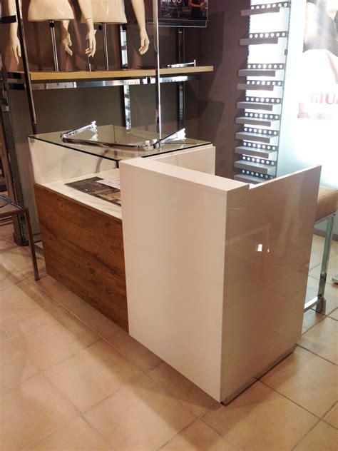 banchi cassa negozio banchi cassa complementi e arredamento negozi