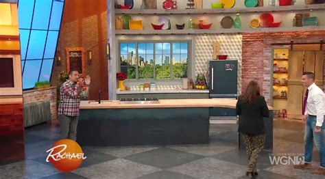 Hgtv Kitchen Backsplashes by Rachael Ray Gets Cooking In New Kitchen Newscaststudio