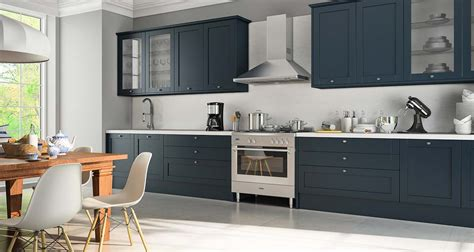 Classic Kitchen Cabinets by Cozinha Cl 225 Ssica