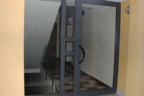 portoncini ingresso in alluminio serramenti in ferro alluminio e acciaio a treviso