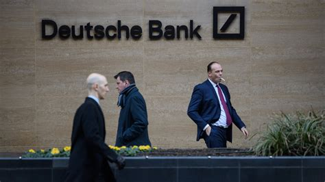 deutsche bank bonus deutsche bank cuts bonus pool by almost 80
