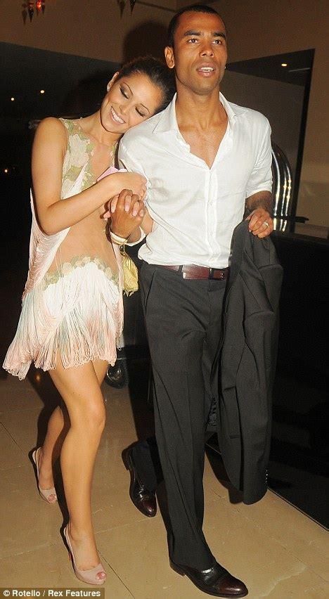 Tv Dumps Husband For Co by Derek Hough Dumps Cheryl Cole After She Turns To Ex