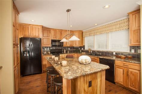 hickory kitchen island colony homes max de900a deercreek ranch kitchen large