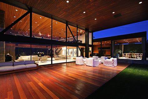 luxurious beverly hills mansion acquires  sparkling