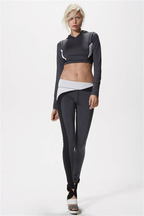 yoga apparel workout clothes activewear for women solow fall 2015 lookbook modern futuristic activewear