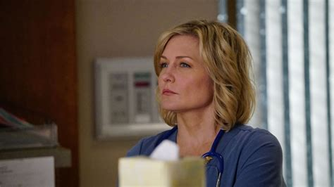 lindas hairstyle on blue bloods amy carlson speaks out about blue bloods departure tv