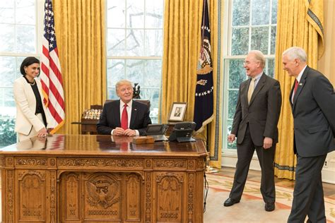 donald trump oval office archivo seema verma donald trump tom price and mike
