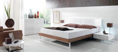 nachttisch weiß hochglanz günstig wandfarbe im schlafzimmer nach feng shui