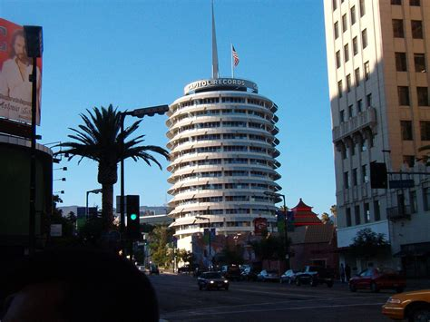Building Records Capitol Records Building 001 Free Desktop Wallpapers For Widescreen Hd And Mobile