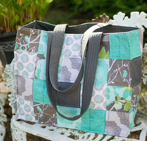 Patchwork Bags To Make - 25 best ideas about quilted tote bags on