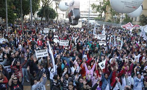 aumento professores estaduais de sp 2016 sindicato dos professores de sp adia greve pela segunda