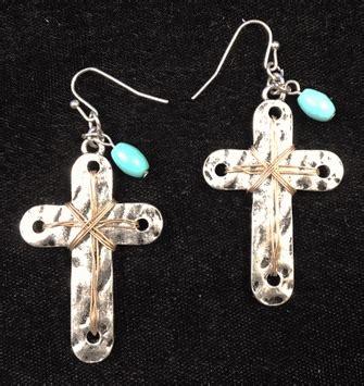 cser450 slvtqcpcr western hammered silver cross earrings