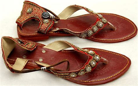 Flat Chery cherry flat sandals with beadwork