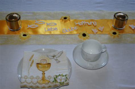 tischdeko und servietten servietten kommunion kelch taube tischdeko kommunion