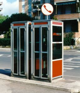 cabine telefoniche torino torino pensiona le cabine telefoniche mole24