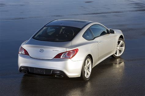 hyundai genesis 2012 hyundai genesis coupe photos price specifications