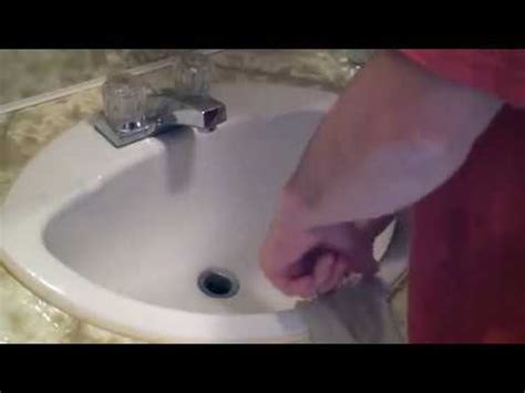 how to unclog your bathtub drain in 5 minutes doovi