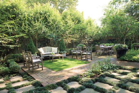 southern backyard backyard retreat classic courtyards southern living