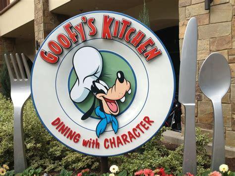 Anaheim Hotels With Kitchen Near Disneyland by Best 25 Goofy S Kitchen Ideas On Vacation