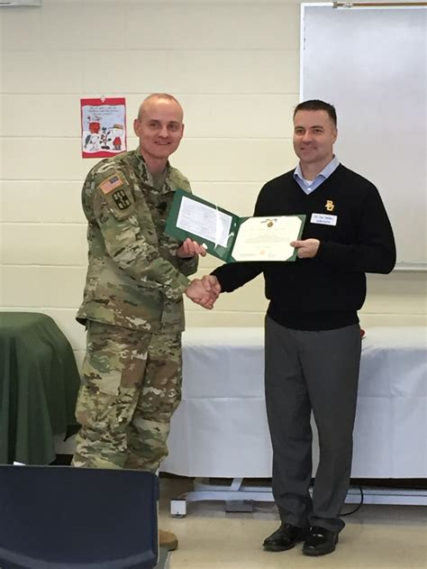 Us Army Baylor Mha Mba by Army Commendation Medal Presented To Ltc Sexton Army
