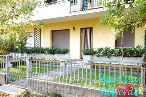 appartamenti cesenatico affitto estivo affitto estivo trilocale con giardino cod a104 agenzia