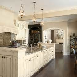 Kitchens With Cream Colored Cabinets 25 Best Ideas About Cream Colored Cabinets On Pinterest