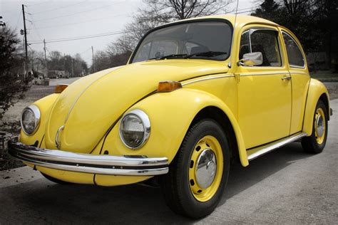 volkswagen bug yellow 1970 yellow volkswagen beetle by lividmonkey on deviantart