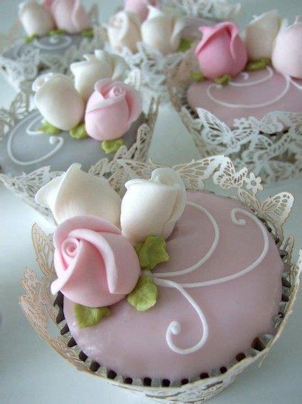 beautiful cupcake beautiful cupcakespretty cupcakes white rose wedding