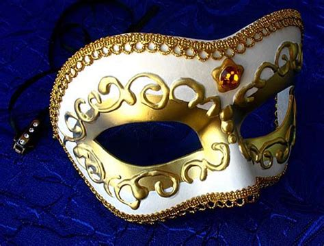Decorating A Masquerade Mask by Craft Ideas And Wall Decorations Masquerade Masks