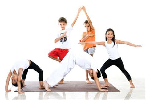 imagenes de yoga de tres personas yoga para ni 241 os era d aquari cubelles yoga terapias