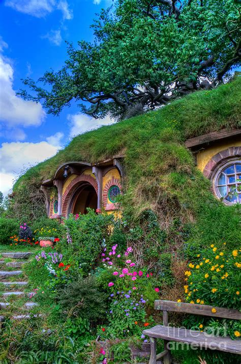 bilbo baggins house bilbo baggins house www imgkid com the image kid has it