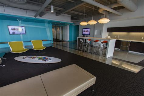 Zillow Corporate Office by Zillow Expands To 270 Ksf At Investments Center