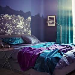 Rich purple and blue color shades for modern bedroom decorating