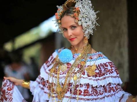entrenadora de mujeres felices en panamá datei panamanian pollera jpg wikipedia