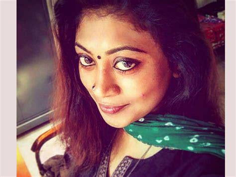 actress divya gopinath തറവ ട കള ന ന സ വയ വ ശ വസ ച ച തറ വ ലകൾ ച യ യ ന നവ
