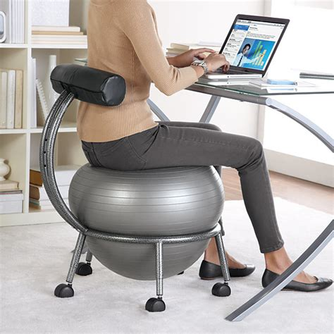 ballon chaise de bureau coup de cœur un ballon sauteur en guise de chaise de