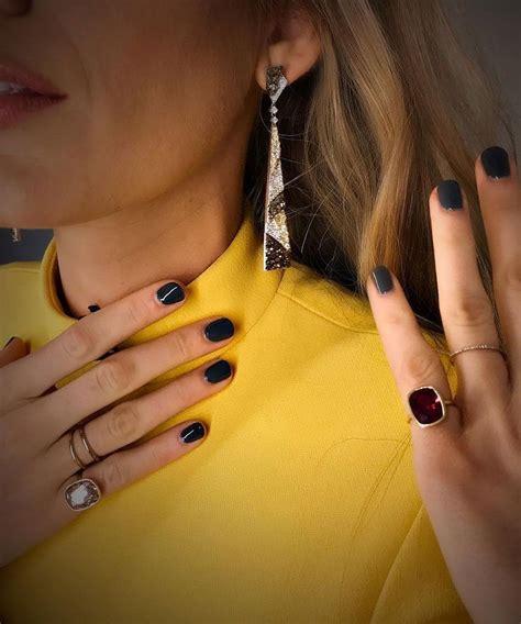 imagenes uñas grises u 241 as oto 241 o invierno 2017 2018 blake lively con manicura