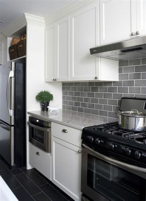 Moderne Küchenfliesen Wand by Die Besten 17 Ideen Zu Fliesenspiegel K 252 Che Auf