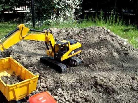 escavatori da giardino cat 320 d rc bruder escavatore excavator bagger pelle test