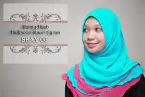 Pasmina Sing halfmoon shawl ayriss azura chan
