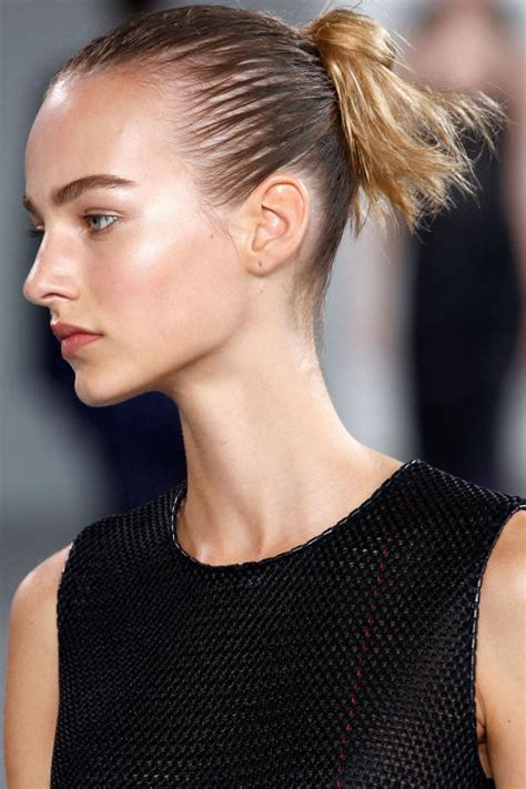 hair dsstyles for spring 2015 spring 2015 runway beauty hair makeup and nails from