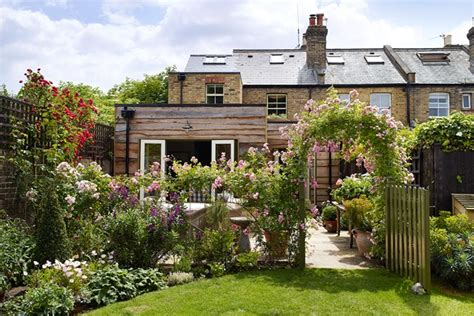 city garden ideas garden louise jones cottage city garden