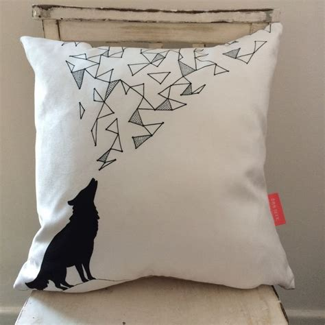 wolf home decor 1000 ideas about geometric wolf on pinterest geometric