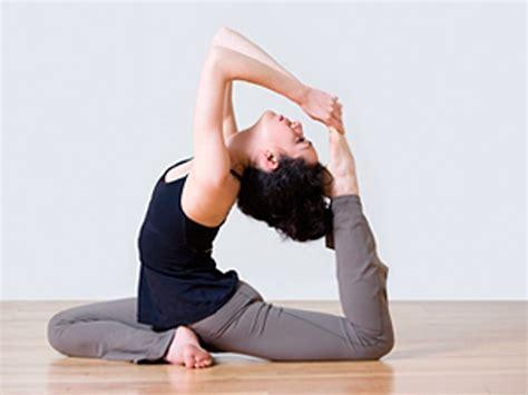 imagenes yoga posturas 191 por qu 233 es recomendable practicar yoga mientras estudias