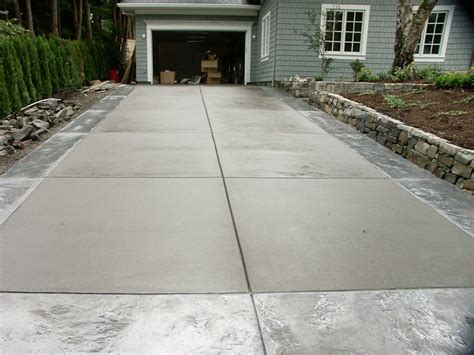 Broom Finish Concrete With Sted Outline Stamped Concrete Finishes For Patios