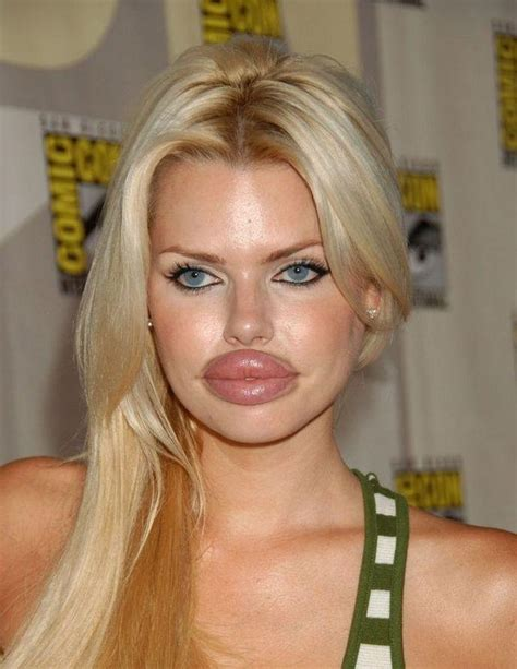 world i m g girls with huge lips