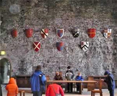 siege on castle steve visit caerphilly tour guide app