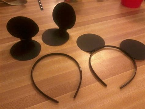 How To Make Mickey Mouse Ears With Construction Paper - simple diy mickey mouse ears cardstock headbands